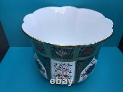 New Royal Crown Derby 2nd Quality Old Imari Solid Gold Band Gardenia Planter