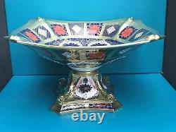 Royal Crown Derby 2nd Quality Old Imari Solid Gold Band Dolphin Bowl
