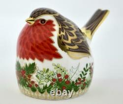 Royal Crown Derby Christmas Wreath Robin Paperweight New 1st Quality
