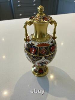 Royal Crown Derby Old Imari 1128 Jasmine Sudbury Urn Style Vase Very Rare