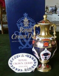Royal Crown Derby Old Imari Sudbury Urn Style Vase Pristine £400 OVNO RRP £575
