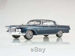 Scale model car 118 Imperial Crown Southampton 4-Door, metallic-blue